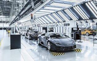 美国汽车工人联合会(UAW)正在为菲亚特-克莱斯勒的工人们协商带薪休假