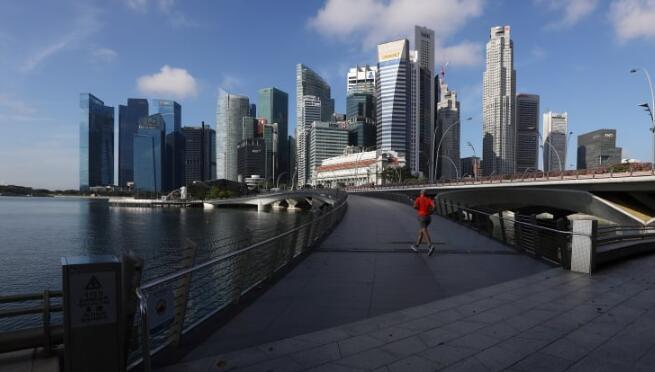 新加坡计划推出总额332亿美元的一揽子计划提振经济