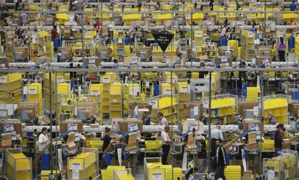 由于需求激增,亚马逊停止接受新的在线杂货客户