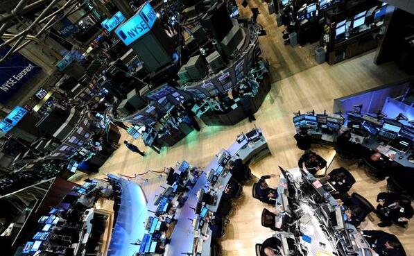 由于美国经济数据拖累投资者情绪,美股在四月最后一个交易日下跌