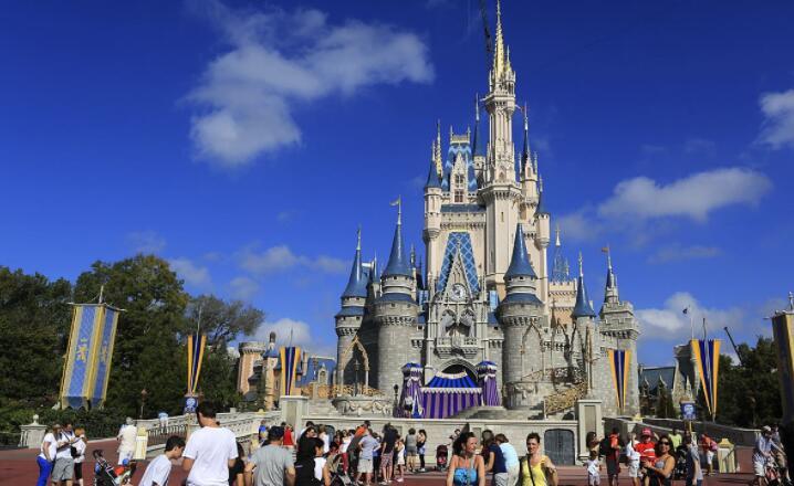 迪士尼第二财季营收180.1亿美元,主题乐园和游轮的运营收入下降了58%