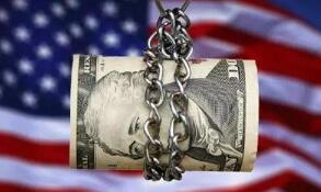 由于新冠疫情导致美国人储备现金,美国储蓄率创下历史新高