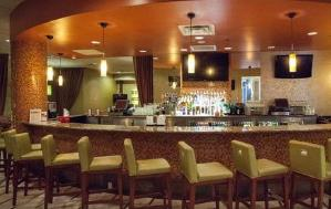 佛罗里达州暂停在酒吧饮酒