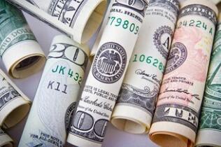 美元周一小幅上涨,欧元兑美元涨0.11%