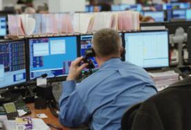 康纳格拉食品公司股票上涨2% 西蒙房地产集团股价上涨6%