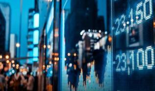 欧洲股市周四收高,银行股上涨4.5%