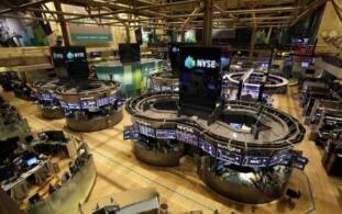 美股7月9日涨跌不一,道琼斯指数下跌361点,纳斯达克指数创历史新高