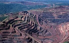 伦敦金属交易所3个月期铜收于每吨6410美元 期铝收于每吨1668.50美元