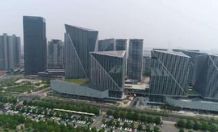 陆家嘴击败融信49亿竞得上海前滩宅地 单价5.7万/平米
