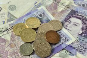 离岸人民币(CNH)兑美元周二涨58点