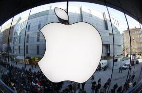 苹果公司市值逼近2万亿美元