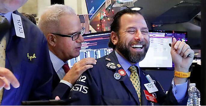 美股12月31日收高,道琼斯指数上涨近200点,标普道指再创历史新高