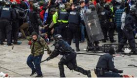 美示威者冲击国会大厦已造成4人死亡