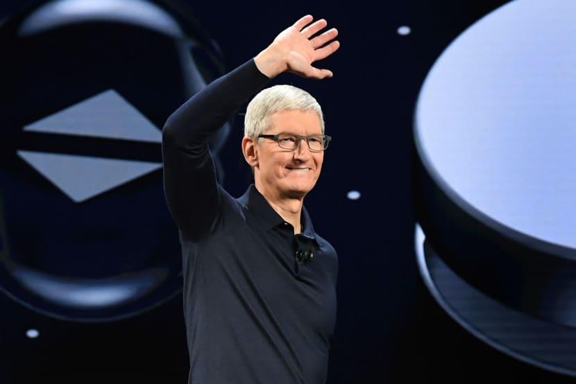 苹果公司发布季度业绩报告,营收首次突破1000亿美元