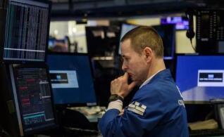美国国际集团:第四季度每股亏损0.07美元,市场预期0.86美元