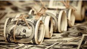 美元周一下跌,因欧洲和英国经济前景改善,大宗商品价格反弹