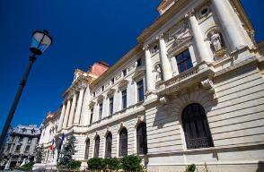 罗马尼亚2月外汇储备同比下降6%