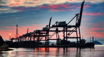 中国国内商品期货夜盘多数收跌 铁矿石跌5.6%