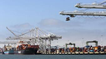 日本2月出口下滑4.5%为三个月以来首降,因中美需求减弱