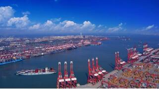 波罗的海干散货运价指数周三大涨 因巴拿马型船只利率触及逾10年高位