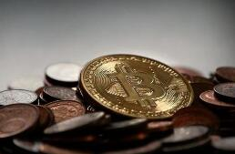 周四纽约尾盘,CME比特币期货BTC主力合约上涨3.27%