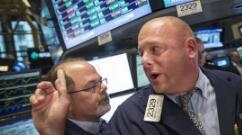 标普500指数创纪录收盘高位,美债收益率回落提振科技股