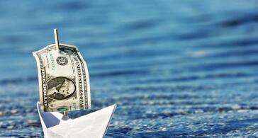 """美国银行调查:投资人调高现金配比,因担心""""削减恐慌""""及加税打击股市"""
