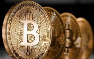 加密货币交易所Coinbase上市首日市值突破1000亿美元