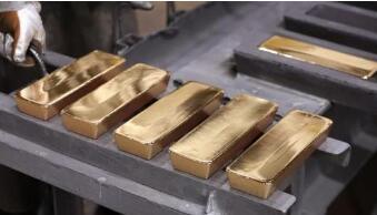 随着美国国债收益率回落,国际黄金期货4月15日上涨1.8%