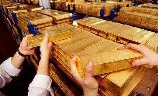 随着美元贬值和美国国债收益率回落,5月3日国际黄金价格上涨超过1%