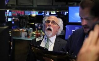 美股5月5日收盘涨跌不一,道琼斯指数上涨近100点,创历史新高
