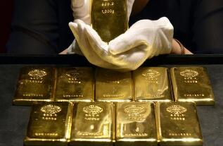 由于美债收益率和美元下滑,5月6日国际黄金价格突破每盎司1800美元关口