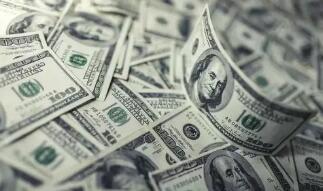5月17日,人民币对美元中间价上调218点