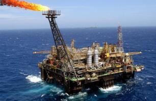 5月27日美油WTI期货收高1%,创下两年半收盘新高
