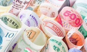 6月25日,人民币对美元中间价上调80点