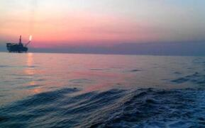 伊朗启用绕过霍尔木兹海峡的新输油管道